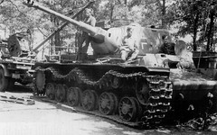 "Captured KV-1 with KWK 40 cannon • <a style=""font-size:0.8em;"" href=""http://www.flickr.com/photos/81723459@N04/15180794150/"" target=""_blank"">View on Flickr</a>"