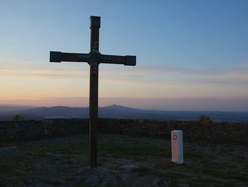 Kříž a Ještěd