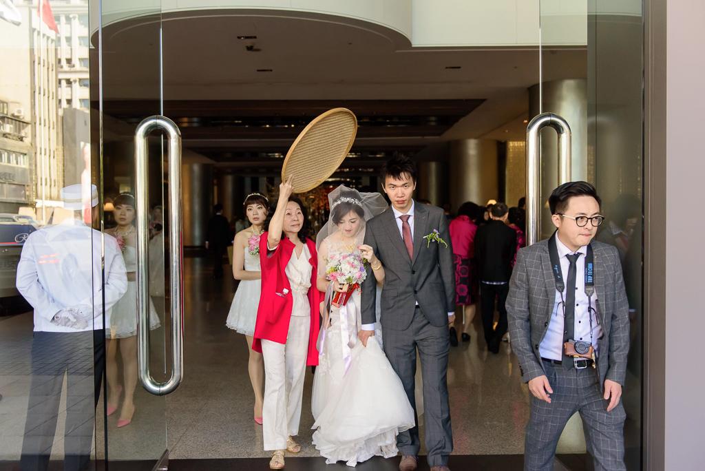 wedding day,婚攝小勇,台北婚攝,晶華,台北國賓,台北國賓婚宴 ,愛瑞思,Miko,新秘,-047