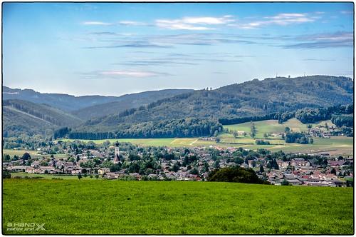 Blick auf Sankt Georgen im Attergau