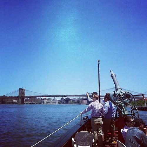 #Fireboat #Brooklyn #bridge #BrooklynBridge #Hudson #NYC