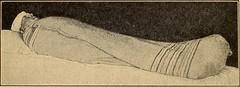 Anglų lietuvių žodynas. Žodis wet-blanket reiškia v šnek. aptemdyti džiaugsmą, sugadinti nuotaiką ir pan. lietuviškai.