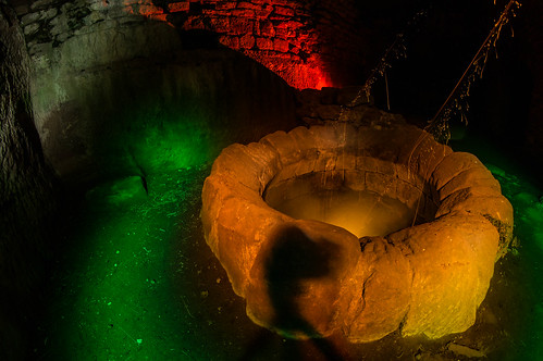 The cauldron of giant snails - Dragon´s Lair - Drachenhöhle - Drachenfels Rheinland Pfalz -