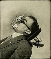 Anglų lietuvių žodynas. Žodis inhalation general anaesthetic reiškia įkvėpus narkoze lietuviškai.