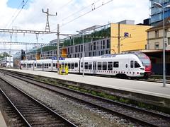 Stadler FIRST dels Transport Publics Fribourgeois a Neuchtel (RicardCodina) Tags: suisse fribourg freiburg suissa