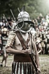Qu miras... ((Mnica M)) Tags: guerra romano gladiador