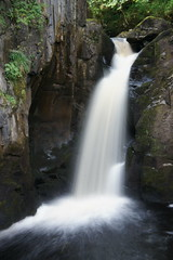 Ingleton Falls 3 (notFlunky) Tags: park uk england sky green water rural river countryside yorkshire doe trail national waterfalls np dales ingleton twiss naptional