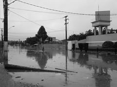 Enchente no Uberaba, Curitiba (askforjazz) Tags: flood chuva curitiba uberaba enchente ruajoshauer