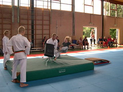 "zomerspelen 2013 karate clinic • <a style=""font-size:0.8em;"" href=""http://www.flickr.com/photos/125345099@N08/14220578079/"" target=""_blank"">View on Flickr</a>"