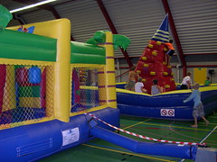 "adventurepark grote zaal 3 • <a style=""font-size:0.8em;"" href=""http://www.flickr.com/photos/125345099@N08/14248832190/"" target=""_blank"">View on Flickr</a>"