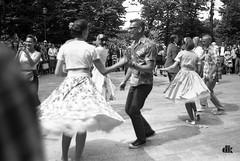 (solar_is) Tags: park people film analog dance d76 duotone f80 duotoned ilford nikonf80 москва россия nocolor сокольники fomafix летовгороде