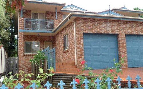 8b Peggy St, Mays Hill NSW