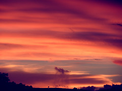 Nuvens (Ricardo Prati) Tags: life sunset brazil sky color nature beauty brasil clouds photography natureza céu vida dreams nuvens beleza entardecer