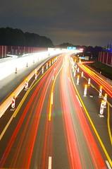 A40 bei Nacht bunt hochkant (tobiasdunkel) Tags: nacht a40 langebelichtung