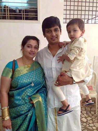 Tamil Actor Jeeva Family Photo