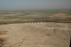 Tell Bismaya (38SNA612860) (APAAME) Tags: archaeology ancienthistory tell iraq middleeast tall airphoto oblique aerialphotography aerialphotograph geocity geo:lon=4564884 aerialarchaeology camera:model=nikond70 geocountry camera:make=nikoncorporation exif:make=nikoncorporation geostate exif:model=nikond70 exif:lens=180700mmf3545 exif:aperture=ƒ80 exif:isospeed=200 exif:focallength=29mm tellbismaya pleiades:depicts=894129 geo:location=to32409378678456508275779tellbismaya38sna612860 geo:lat=3240953