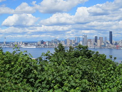 Skyline, Seattle, WA (KevinB 87) Tags: seattle seattlewaskyline towers highrise downtown citycenter seattlewa 1201thirdavenueseattlewa 901fifthavenueseattlewa fifteentwentyonesecondavenueseattlewa usbankcentreseattlewa seattlemunicipaltower