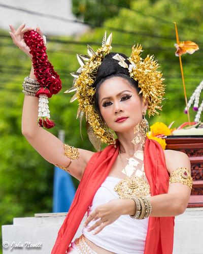 Thailand 2014 - Chiang Mai - Thai Flower Dancers5