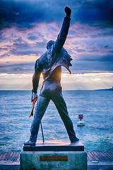 Freddie Mercury (Bephep2010) Tags: sunset sculpture lake schweiz switzerland see sonnenuntergang mercury sony skulptur queen freddie nik ch lakegeneva montreux vaud nex lacléman genfersee waadt cantondevaud nex6 hdrefex sel50f18