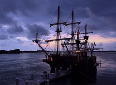 El Galeon (PelicanPete) Tags: sunset usa history river harbor dock spain americanflag replica crowsnest sunlit sidebyside masts cloudscape rigging attraction exciting eastcoast americanhistory sailship bridgeoflions dockside naovictoria oldworldcharm ancientcity supershot ferdinandmagellan elgaleon opentothepublic northernflorida twoships saintaugustineflorida shipsilhouette diamondclassphotographer flickrdiamond mantanzasriver 170feet juanponcedeleon spanishsailship dmslair thesunshinegroup sunrays5 495ton crewof28 quartasunset235