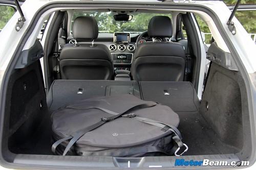 2014-Mercedes-Benz-GLA-58