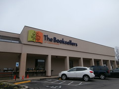 Another member of a dying breed closes: The Booksellers at Laurelwood (l_dawg2000) Tags: 2000s bookstore closed independent labelscar laurelwood liquidation memphis outofbusiness poplarave retail tennessee tn unitedstates usa