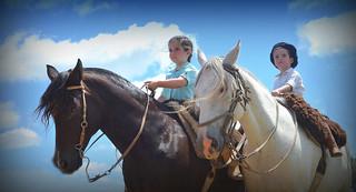 Pequeninos de a cavalo