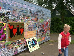 """zomerspelen 2013 Graffiti workshop • <a style=""""font-size:0.8em;"""" href=""""http://www.flickr.com/photos/125345099@N08/14405881082/"""" target=""""_blank"""">View on Flickr</a>"""
