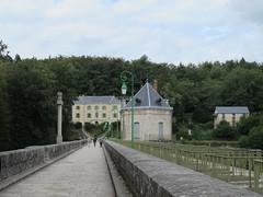Quel est ce lieu??? Il s'agissait du barrage (1858) du lac des Settons  Montsauche-les-Settons (58) (Yvette Gauthier) Tags: architecture barrage 58 nivre montsauchelessettons lacdessettons quelestcelieu