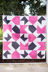 Opposites Attract Quilt (Meredith Daniel) Tags: color modern pattern quilting handcrafted pdf circular oliviajanehandcrafted oppositesattractquilt