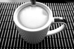Caf y Lneas (Digenes ;)) Tags: bw blanco coffee caf cafe y negro coffe
