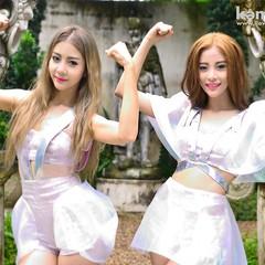 """✨ข่าวด่วน! Neko Jump ลั่น! อยากมีแฟน พร้อมรับสมัครหนุ่ม แขนยาว แขนใหญ่!!! แฟนๆ 2 สาว Neko Jump เตรียมกรี๊ดได้เลย เพราะที่ประกาศว่า Neko Jump อยากมีแฟน แขนยาว แขนใหญ่ นั่นคือ Single ใหม่ล่าสุดของพวกเธอนั่นเอง ในเพลง """"อยากมีแฟนนะ  (My Bodyguard)"""" เพลงที่เอา"""