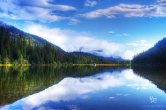 Chiliwack lake - CANADA (Yannick-R) Tags: pictures lake canada reflection water landscape photography landscapes photo eau photographer pentax photos picture lac columbia british reflexion yannick kx chiliwack rivoire pentaxflickraward