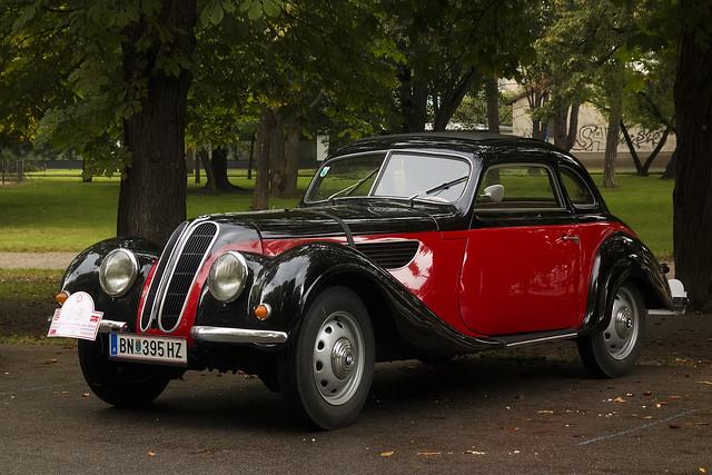 vienna wien auto red classic cars 1955 vintage photography austria europe retro 328 bmw oldtimer coupe 2014 327 canon70d konceptsketcher preisdesbürgermeisters