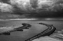 pier (rwfoto_de) Tags: sea bw cloud white black beach strand pier blackwhite meer pentax urlaub wolken poland balticsea baltic polen sw mole ostsee staat kolobrzeg staaten kolberg lnder k30 pentaxda16454 pentaxart pentaxk30