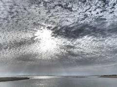 Ilha de Armona, Olhão (cyclingshepherd) Tags: 2017 march março cyclingshepherd portugal europe europa algarve olhao olhão ilha armona isla island beach praia cloud clouds sun sol rays sunshine sky sunlight ray overcast