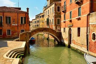 Venice : Ponte Ruga Vecchia / Rio San Zan Degola
