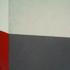 Banderas urbanas (X) (Gerard Girbes) Tags: barcelona street city detalle detail texture textura mobile calle bcn movil ciudad carrer ciutat detall 2014 mòbil sgs gerardgirbesberges gegebé instagram