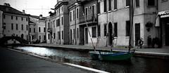 Via Cavour, Comacchio, Emilia Romagna (william eos) Tags: barca vicoli comacchio canali williamprandi