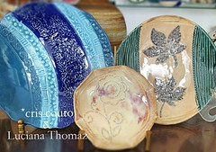 Peas Cris Couto, pintura Luciana Thomaz (cris couto 73) Tags: ceramica ceramic plate clay pottery prato terraecores criscouto