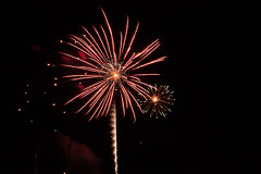 Light Painting with Fireworks (Damon Vincent) Tags: longexposure lightpainting fireworks 4thofjuly damonvincent nomadartworks