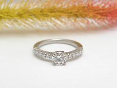 シャンク(腕)が1.5ミリの華奢なエンゲージリング (jewelrycraft.kokura) Tags: ダイヤモンド 極細 婚約指輪 エンゲージリング イニシャル ダイヤ メレーダイヤ