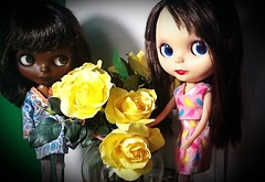Blythe-a-Day August 2014#5: Favorite Flowers: Dora and Rosalind