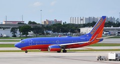 Southwest Airlines (sfPhotocraft) Tags: southwest plane florida fortlauderdale boeing airliner 737 southwestairlines fll 2014 swa boeing737 boeing737700 kfll n789sw