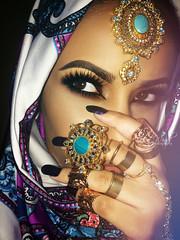 R A N U N C U L U S  2 (eset is) Tags: india photography gold eyes lashes turquoise hijab makeup jewelry rings arab browneyes saudiarabia desertwinds