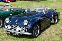 Triumph TR3A (1957) (SG2012) Tags: auto classiccar automobile triumph oldtimer oldcar autodepoca motorcar carphoto carpicture cocheclasico voitureclassique carphotograph carimage cholmondeleypageantofpower 14062014 ntp250