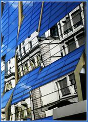 Immeuble, rue du Rhne, Genve, Suisse (claude lina) Tags: suisse swiss genve ville architecturemoderne
