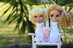 Blythe A Day ~ August 2014 ~ Day 18:  Best Friends