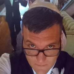 Got my yarmulke strapped on. Ready for @aaronflux 's wedding!!! #kellyaaronlove August 23, 2014 at 09:56PM (karolalmeda) Tags: wedding for august s ready got 23 yarmulke on 2014 strapped instagram ifttt 0956pm kellyaaronlove aaronflux