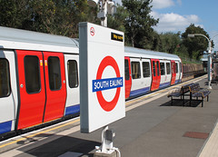 S Stock at South Ealing (bowroaduk) Tags: tube londonunderground londontransport